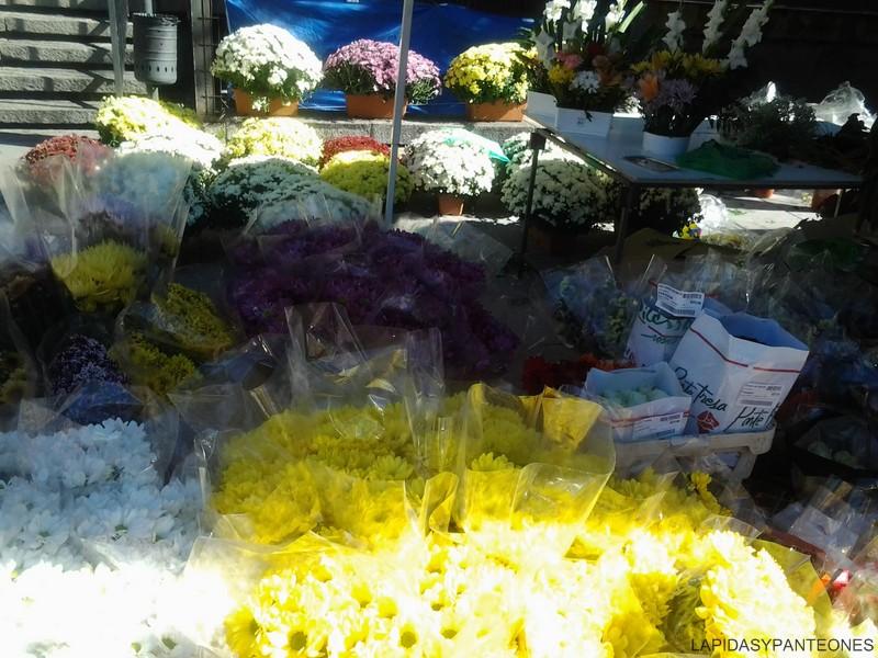 Aunque hay más defunciones se venden menos flores