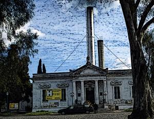 Crematorio incineración en Argentina - Carlos Zito (wikimedia) retocada