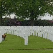 GPS en lápidas cementerio americano