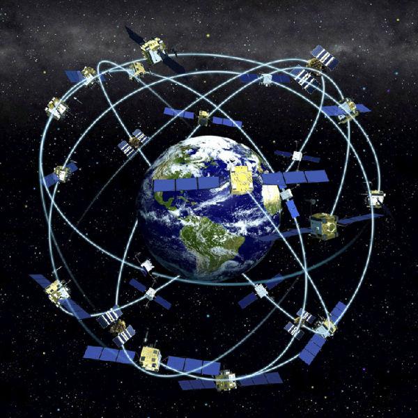 Satelites girando sobre la tierra - Wikimedia