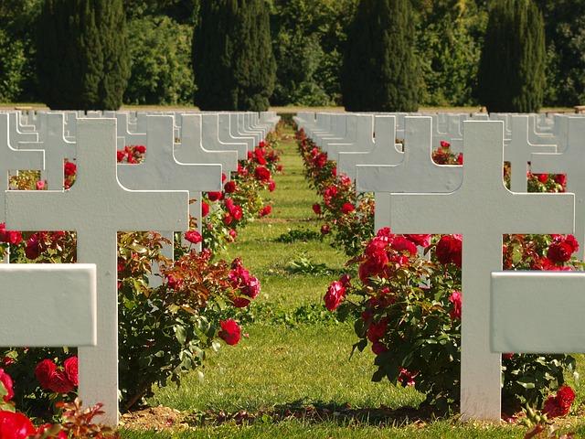 Lápidas en lugares poco comunes