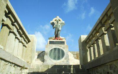 Melilla enseña sus panteones y parcelas militares