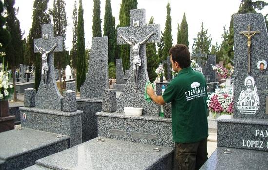 ¿Cómo limpiar lápidas?