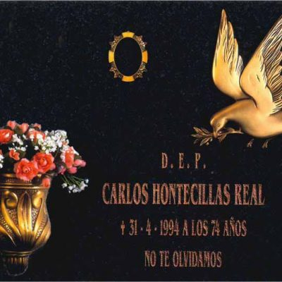 Lápida Paloma de la Paz con flor nº309