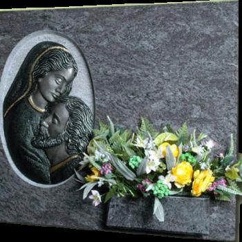 Lápida de la Virgen Piedad de Cristo