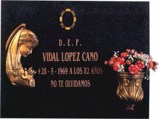 Lápida Virgen niña 311