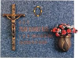 Lápida de la Cruz de tronco con Cristo nº312