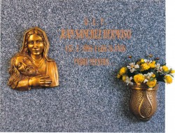 Lápida de la Virgen de las Angustias nº 314
