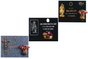 Lápidas con adornos en bronce