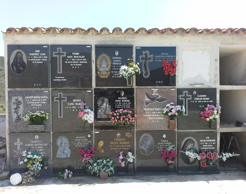 Frases, dedicatorias y epitafios para lápidas