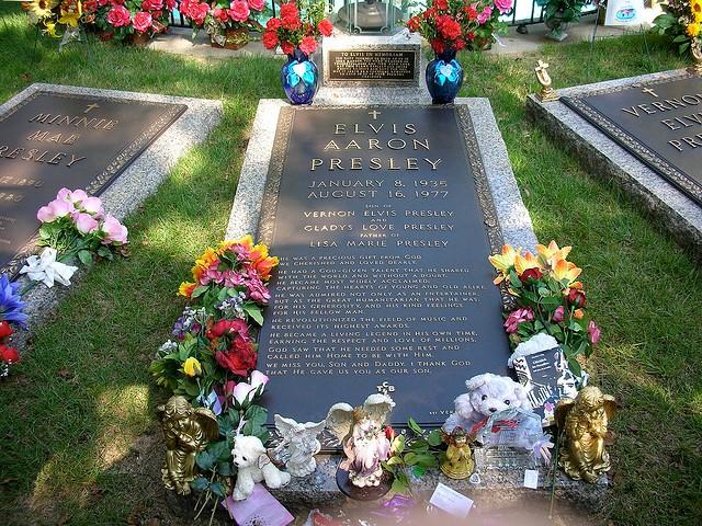 Tumba Elvis Presley